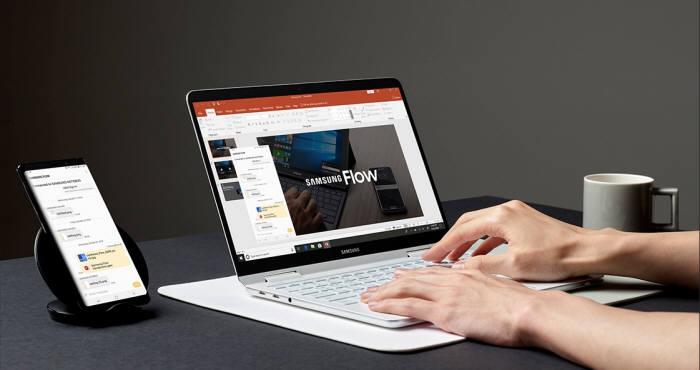 삼성 플로우 앱은 빠르고 간편한 무선 연결로 파일 전송, 미러링, 핫 스팟, 잠금 해제 기능을 지원한다. [사진=삼성전자]