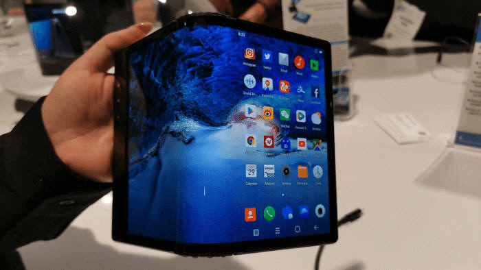 중국 스타트업 로욜이 공개한 폴더블폰 플렉스파이.