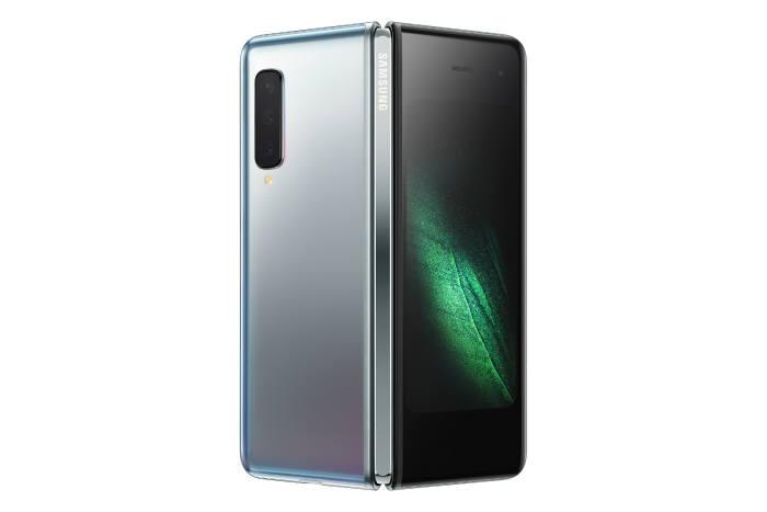 삼성전자 첫 폴더블 스마트폰 갤럭시 폴드가 베일을 벗었다.