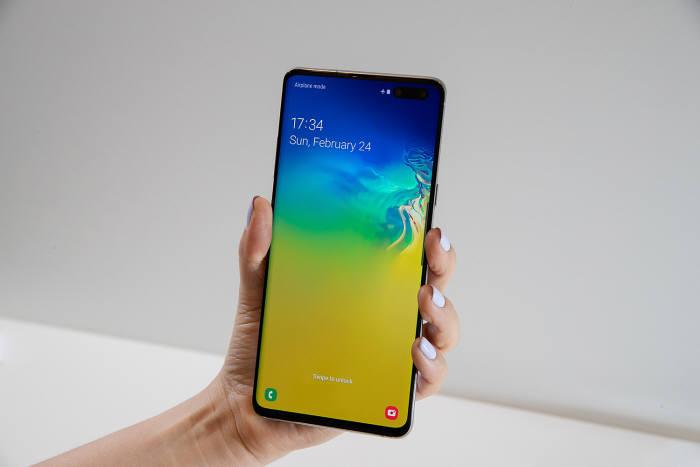 삼성전자의 5G폰 갤럭시 S10 5G(Galaxy S10 5G) [사진=삼성전자]
