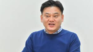 """[오늘의 CEO]강유신 시너지미디어 대표 """"만화영화 기록 쓰겠다"""""""