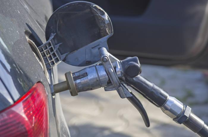 26일부터 일반인이 모든 액화천연가스(LPG) 차량을 구매하거나, 기존 휘발유·경유차를 LPG차로 개조하는 것이 가능해진다.