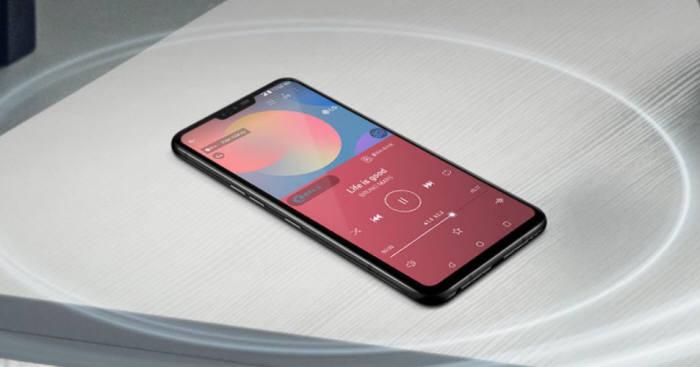크리스털 사운드 올레드가 탑재된 LG G8 씽큐