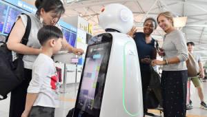 세계 공항로봇 시장 향후 5년간 두배 성장…LG전자가 선도