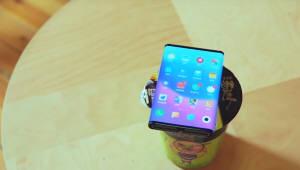 [국제]샤오미, 더블폴딩 폴더블폰 영상 공개