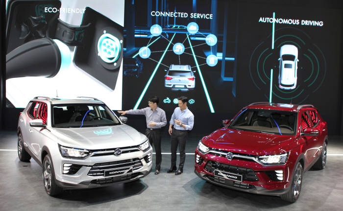 쌍용자동차가 2019 서울모터쇼에서 코란도 플랫폼을 활용한 전기차, 커넥티드카, 자율주행차 등 모빌리티 전략을 공개했다. (제공=쌍용차)