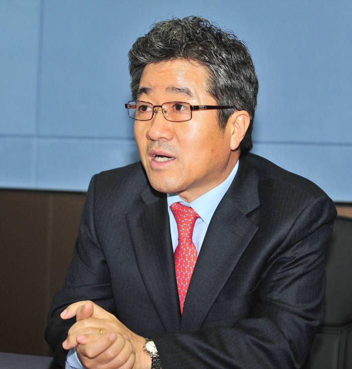 지비엠아이엔씨 방기석 대표
