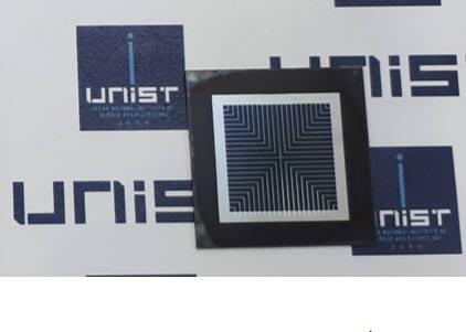 UNIST와 신성E&G가 국내 처음으로 개발한 페로브스카이트 실리콘 일체형 고효율 탠덤 태양전지