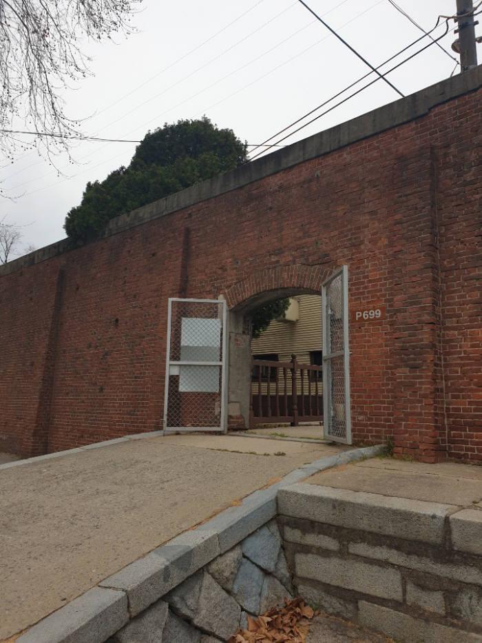 용산 미군기지 내 위수감옥. 이곳은 국내에 남아있는 유일한 일본군 감옥이다.