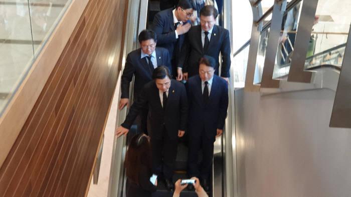 고 조양호 한진그룹 회장 빈소를 찾은 황교안 자유한국당 대표