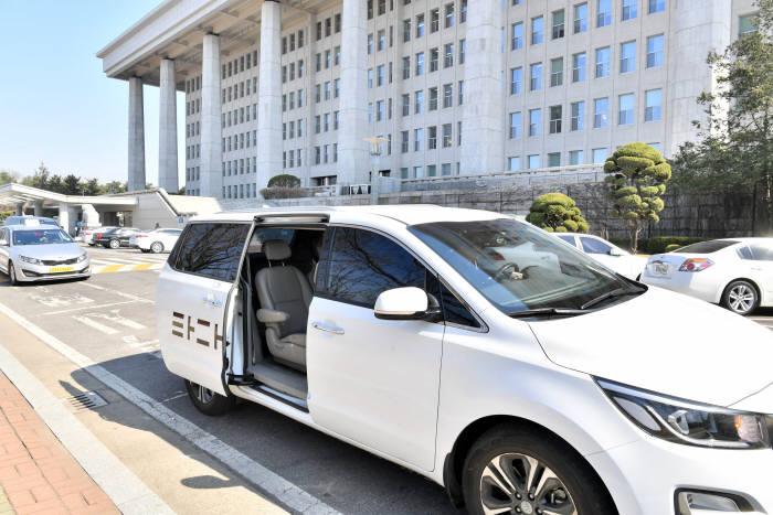 타다, 탑승객 및 드라이버 위협한 택시기사 폭행 및 업무방해죄로 고발