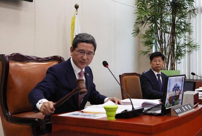 김학용 국회 환경노동위원장