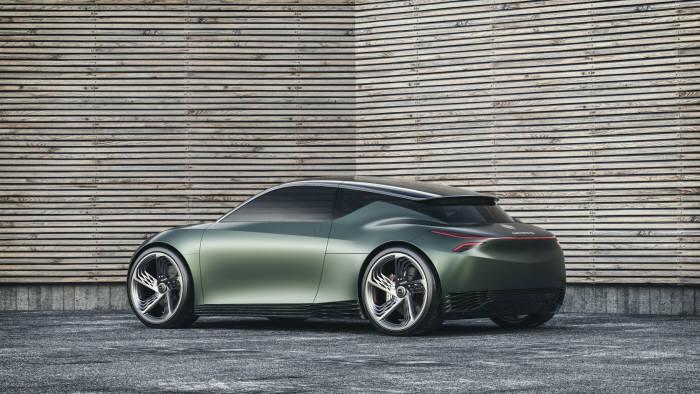 제네시스 브랜드가 세계 최초로 공개한 전기차 기반 콘셉트카 민트 콘셉트(Mint Concept).
