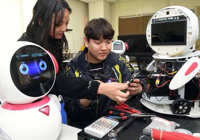 KIST, 인공지능 기반 치매 케어 로봇 상용화