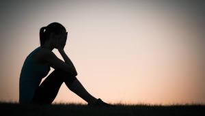 미국 10대 여성 자살률 3배 증가...SNS 등 소셜미디어 영향