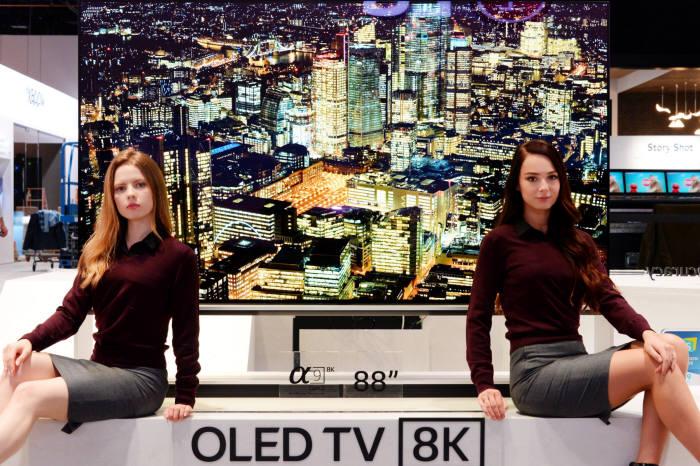 LG전자 88인치 8K 올레드 TV