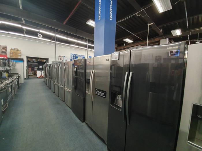 미국 뉴욕 소재 베스트바이 매장에 진열된 냉장고.<전자신문DB>