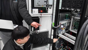 전국 대형마트·고속도로 휴게소에 1200개 초급속 충전기 깔린다