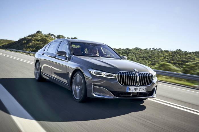 BMW 플래그십 럭셔리 세단 뉴 7시리즈.