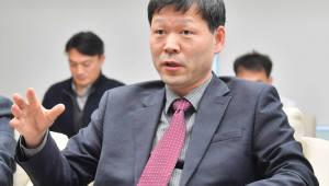 """[오늘의 CEO]김동섭 신성이엔지 사장 """"태양광 세계 기업으로 퀀텀점프"""""""