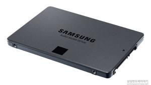 """반도체 업계, 'QLC SSD' 개발 사활…""""데이터 처리 성능 향상"""""""