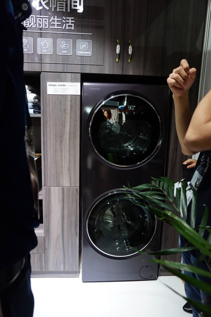 건조기와 세탁기 상하 일체형 하이얼 듀오 사진=전자신문