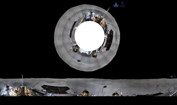 창어 4호가 보낸 사진 80장을 합성해 만든 달 뒷면 360도 파노라마 사진. (출처: 중국국가항천국)