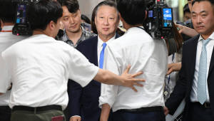 경제활성화위해 국회 찾은 박용만 상의회장