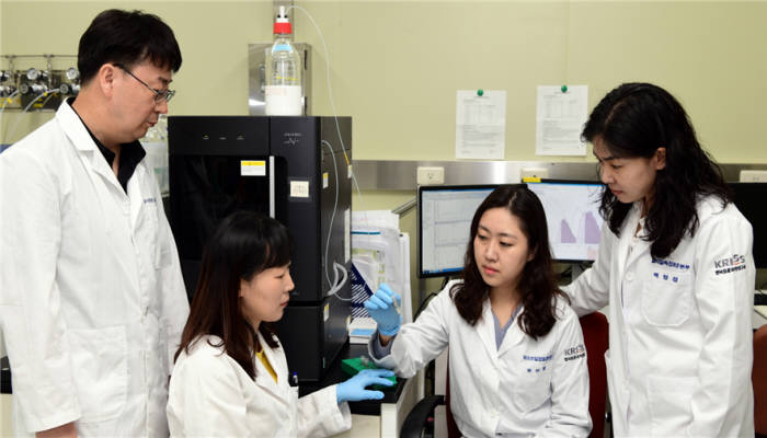 바이오분석표준센터 연구팀 사진 왼쪽부터 양인철, 정지선, 권하정, 배영경 박사