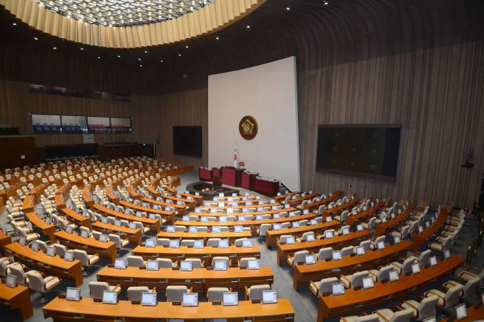 [이슈분석]6월 임시국회는 '추경 국회'…한국당 반발에 처리는 불투명