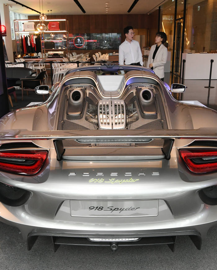 포르쉐 스튜디오, 세계 여덟 번째로 서울 청담에 오픈