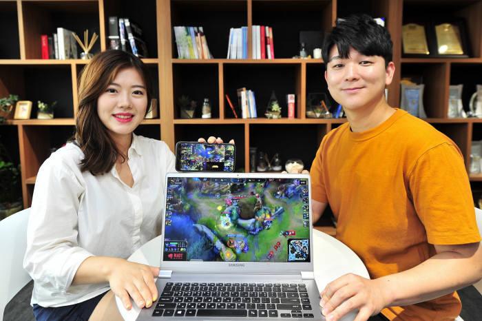 SK브로드밴드가 온라인 동영상(OTT) 서비스 옥수수(oksusu)에서 국내 최다 e스포츠 종목 및 리그를 멀티뷰 생중계 서비스한다. 대상은 리그오브레전드, 배틀그라운드, 오버워치, 스타크래프트 등이다. 일반중계 및 미니맵(게임지도), 선수 10명의 게임 플레이를 동시에 생중계한다.