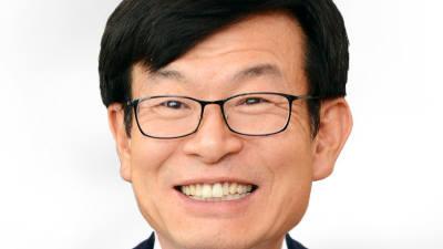 청와대 정책실장에 김상조 공정위원장…경제수석에 이호승 기재부 1차관