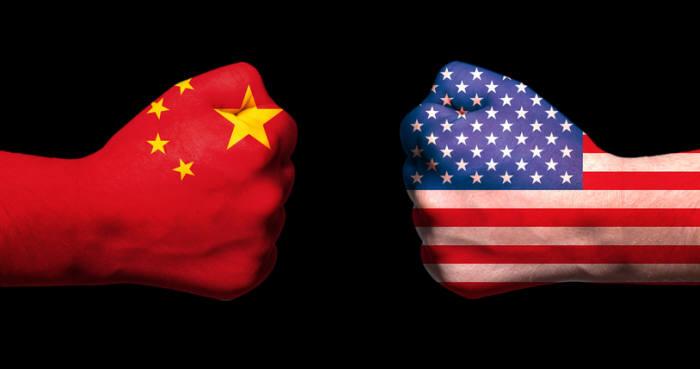 미중 무역전쟁은 미국과 중국 주요 기술기업뿐만 아니라 관련 글로벌 밸류체인까지 흔들고 있다. ⓒ게티이미지뱅크