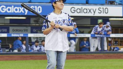 '창립 49주년' 삼성SDI, 라이온즈파크서 폐암 투병 임직원 부모 초청 감동 시타 이벤트