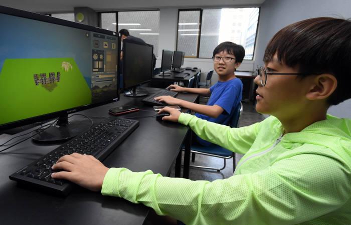 VR과 코딩결합한 신개념 SW교육 내달 첫 선