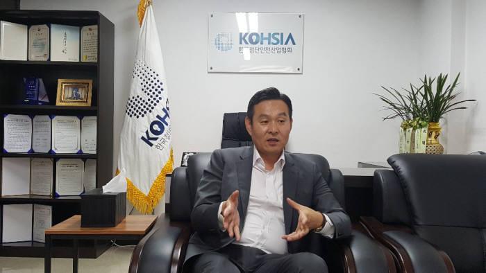 """[인사이트]김용식 한국첨단안전산업협회장 """"안전에도 콘텐츠가 있어야 한다"""""""