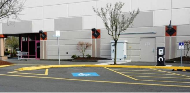 미국의 장애인용 전기차 충전시설.