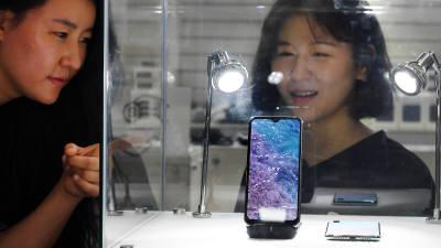 [이슈분석] 소재부품 국산화, 다시 시작하자 <5>스마트폰·IT기기…하이엔드 부품 대부분 일본산