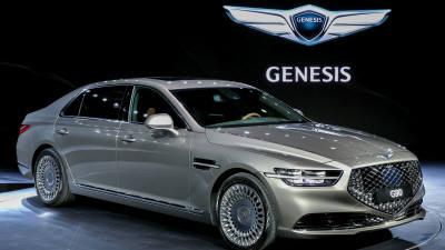 제네시스, 벤츠·BMW 제쳤다…韓 고급차 시장 1위 '질주'