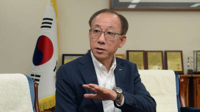 """김명준 ETRI 원장 """"창의연구 활성화해 '국가지능화 종합연구기관' 새도약"""""""