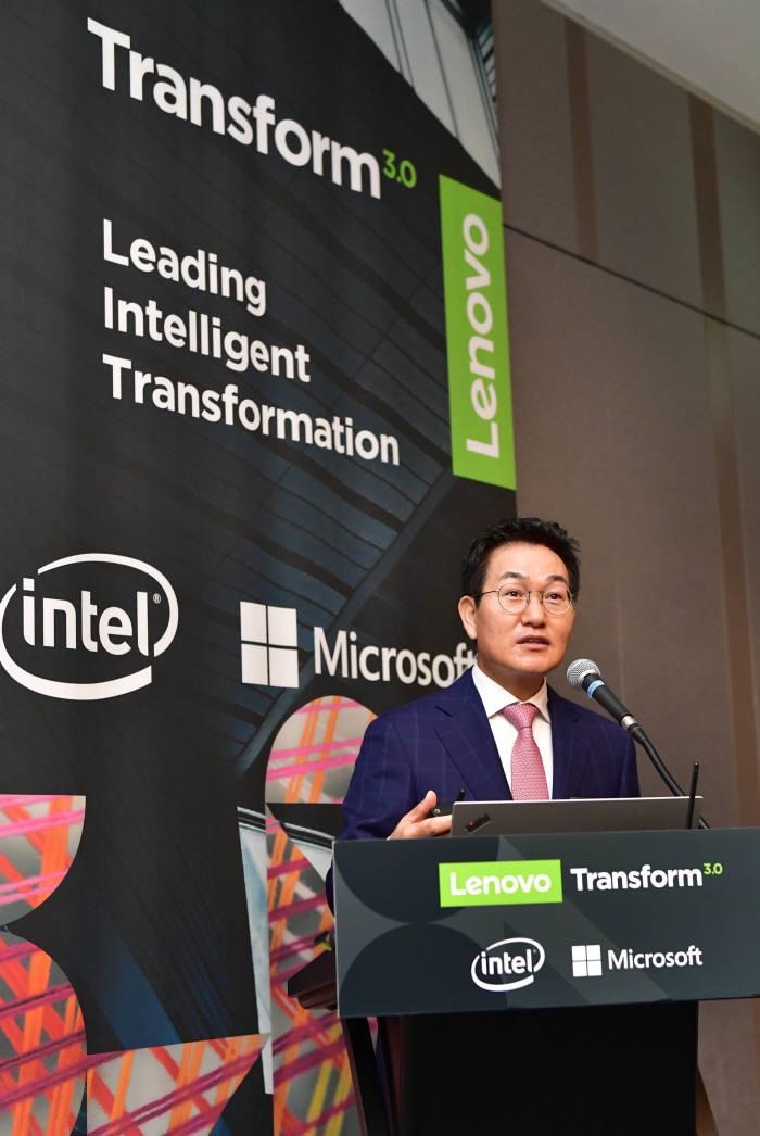 6일 열린 한국레노버 기자간담회에서 이희성 신임 대표가 발표를 하고 있다.