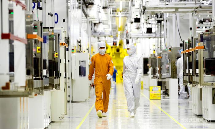 삼성전자 클린룸 반도체 생산 현장