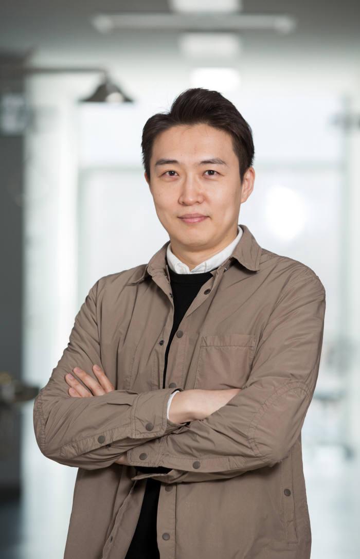 강주헌 UNIST 생명과학부 교수.