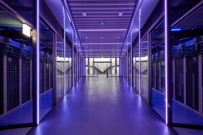 네이버 춘천 데이터센터 각 서버실 전경. 사진 네이버