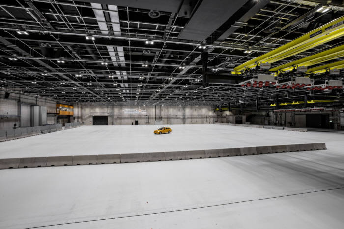 메르세데스-벤츠 자동차 안전 기술 센터(TFS).