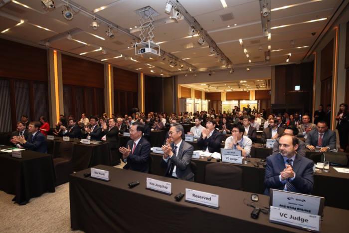 본투글로벌센터 주최로 8일 서울 신라호텔에서 열린 한-중남미 스타트업 피치데이 및 일대일 파트너링데이에 200여명이 넘는 국내외 주요 인사들이 참석해 성황을 이뤘다.