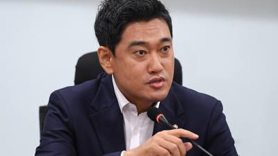 """오신환 """"조국 사퇴 '환영'…이 사태 책임은 전적으로 대통령에 있어"""""""