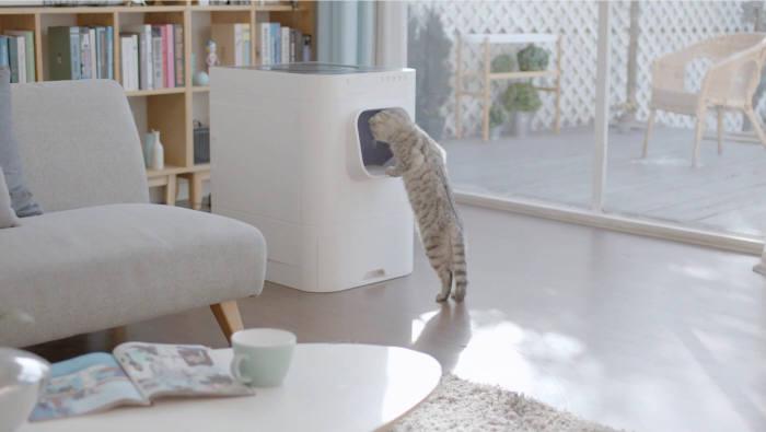 스타트업 골골송작곡가에서 선보인 반려묘 스마트 자동 화장실 라비봇. 고양이화장실은 자동으로 고양이 배설물을 치워주는 가전으로 등장했다. [사진=골골송작곡가]