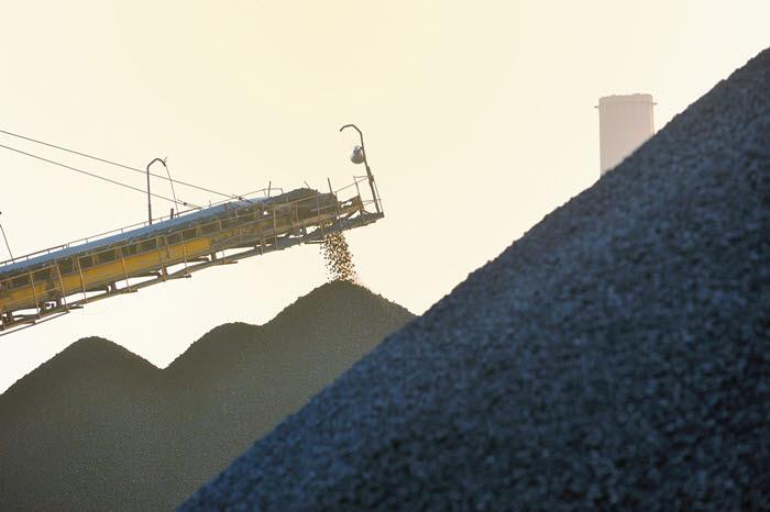 지난해 9월 이후 석탄재 수입 54% 감소